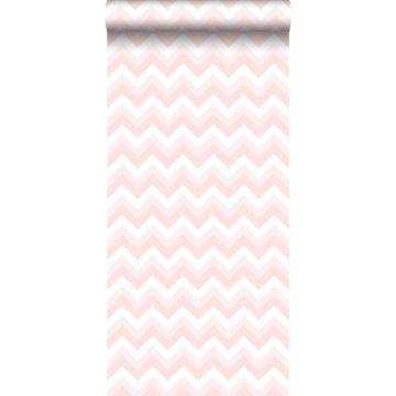 behang zigzag motief licht roze en wit