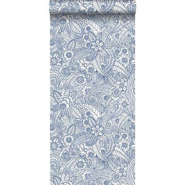 behang bloemtekeningen blauw op wit