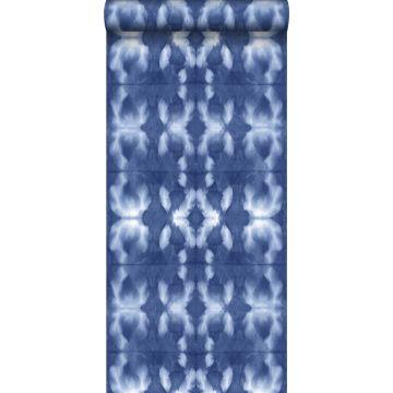 behang tie-dye shibori motief jeans indigoblauw