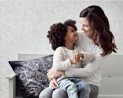 moeder met kind estahome